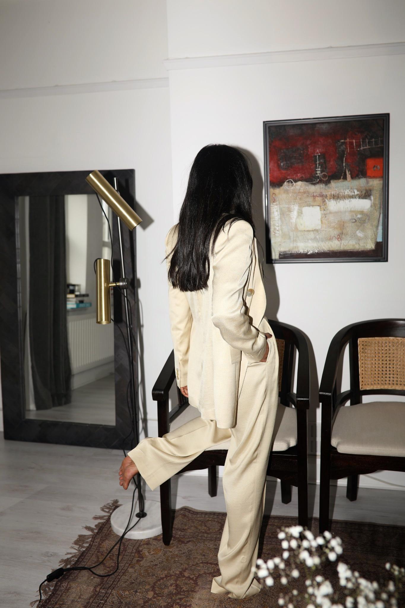 Girls In Suits Monikh